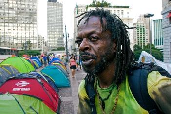 """Acampamento do MTST """"Ocupe democracia"""", Viaduto do Chá, 2016."""