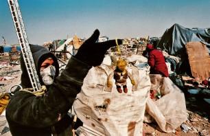 Tiradero de posición final Neza II, um dos maiores lixões da América Latina, Bordo de Xochiaca, Nezahualcoyotl, 2007. Negativo colorido.