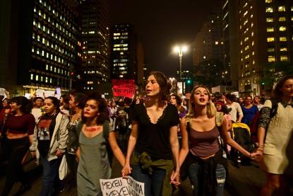 SP, 2016. Coletivos feministas fecham a Av. Paulista em protesto contra estupro coletivo de uma menor de idade. no Rio de Janeiro, e contra o governo golpista de Michel Temer, notoriamente misógino e anti-feminista.