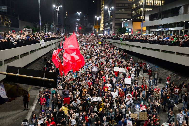 SP, 2016. Cerca de 100.000 pessoas ocupam a Av. Paulista contra o Golpe de Estado no Brasil.