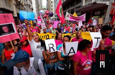 Milhares de mulheres saem em protesto no 8 de Março contra os retrocessos sociais do governo golpista. Contando com inúmeros movimentos sociais, coletivos feministas e manifestantes independentes dois grandes atos, um saído da Sé e outro do Masp, encontram-se no Vd. Maria Paula.